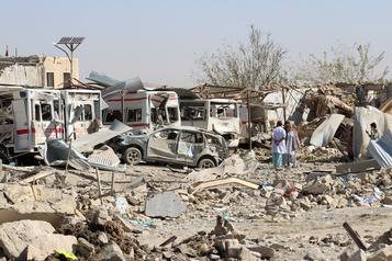 Afghanistan: le bilan de l'attentat près d'un hôpital passe à au moins 39 morts