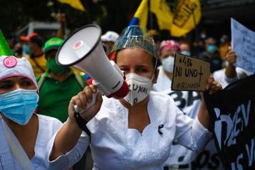 COVID-19 au Venezuela Des professionnels de la santé dans la rue pour réclamer des vaccins)