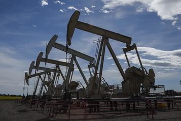 Les cours du pétrole piquent du nez après la publication des stocks américains)