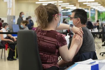 Vaccination Autre journée record au Québec mercredi)