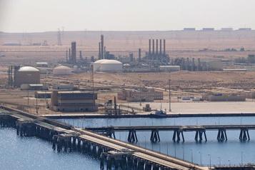 Les cours du pétrole chutent après une hausse annoncée de la production libyenne)
