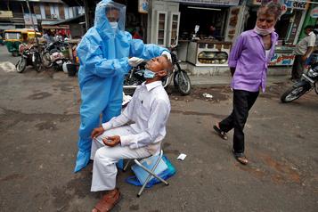 Le bilan de la pandémie dans le monde: plus de 538 000 morts)
