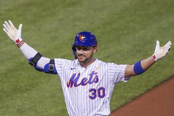 La saison du voltigeur des Mets Michael Conforto est terminée)
