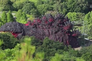 Un Godzilla grandeur nature au Japon)
