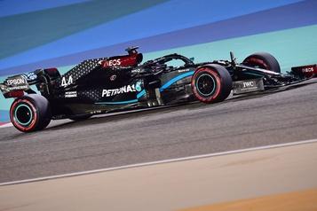 GrandPrix de Bahreïn Lewis Hamilton décroche la position de tête)
