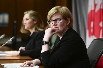 Aide médicale à mourir La ministre Qualtrough veut empêcher les professionnels d'amorcer la discussion)