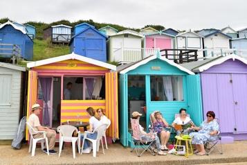 Côtes anglaises Les Anglais s'arrachent les cabines de plage pendant la pandémie)