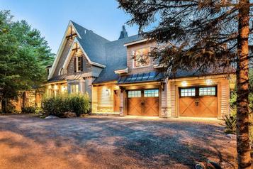 Le tour du propriétaire L'autonomie dans le luxe au domaine Riverdale de Sainte-Adèle)