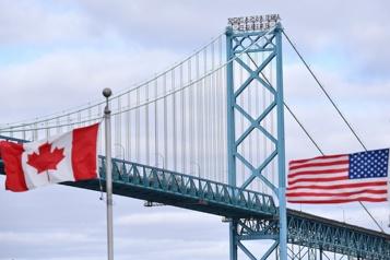 Travailleurs essentiels Ottawa songe à des assouplissements à la frontière)