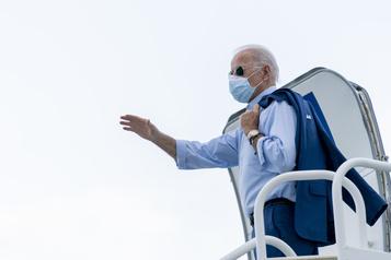 Biden promet d'empêcher les expulsions de Vénézuéliens fuyant Maduro)