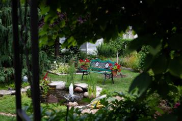Bien dans son jardin  Une truelle, un pic et une pelle pour réaliser leur rêve)
