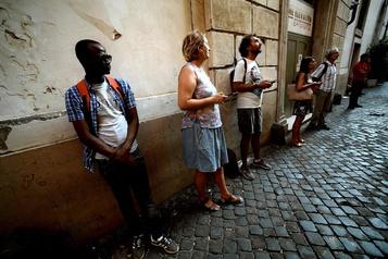 Des migrants offrent leur regard sur Rome aux touristes