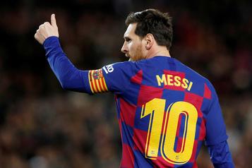 Lionel Messi souffre d'une blessure musculaire mineure)