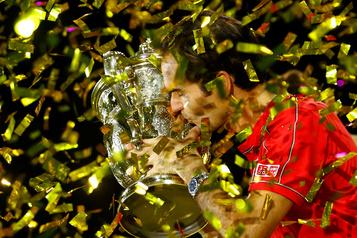 Roger Federer sportif le mieux payé au monde: 106millions de dollars sur l'année)
