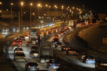 Grands travaux d'asphaltage nocturnes
