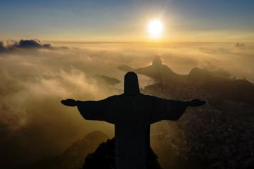 90 bougies pour le Christ rédempteur de Rio de Janeiro