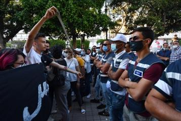 Manifestation contre les violences policières à Tunis)