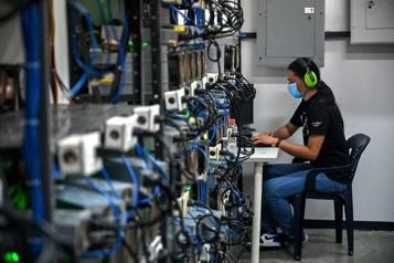 De nombreux Vénézuéliens se lancent dans le minage de cryptomonnaies)