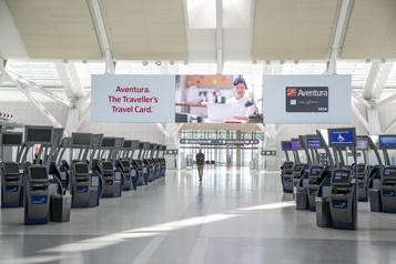 Le secteur aérien canadien est «en chute libre» )