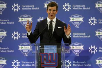 Eli Manning de retour dans l'organisation des Giants)