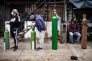 COVID-19: le Pérou souffre d'une grave pénurie d'oxygène médical)