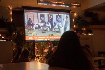 Dimanche soir au bar, pour regarderOD