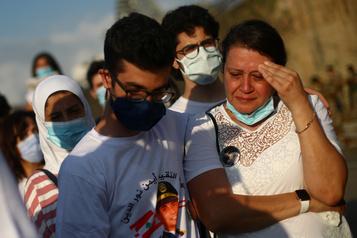 Beyrouth rend hommage aux victimes de l'explosion)