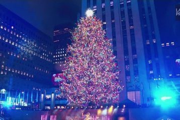 L'arbre du Rockefeller Center officiellement illuminé