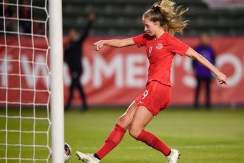 Soccer: les Canadiennes se qualifient pour Tokyo
