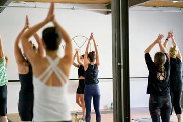 Yoga: à vos tapis!)