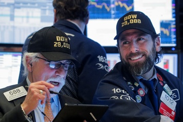 À Wall Street, Dow Jones, NASDAQ et S&P 500 grimpent à des records