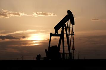 Le pétrole baisse dans un marché s'inquiétant d'une offre excédentaire