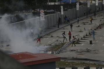 Répression sanglante au Nigeria Tensions et condamnations internationales après la mort de 12manifestants)
