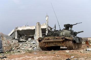 L'armée syrienne annonce avoir repris une ville clé du nord-ouest