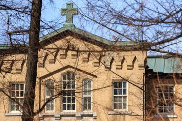 Le Québec échoue à protéger son patrimoine bâti, constate la vérificatrice générale)