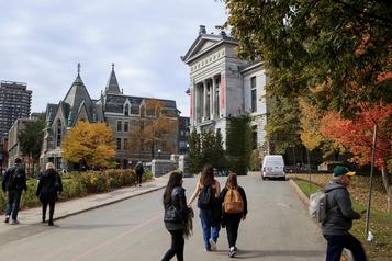Un assouplissement pour les étudiants américains au Canada)