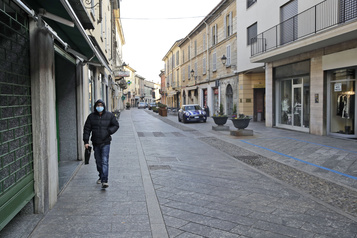 Coronavirus: un Italien décédé, le nord de l'Italie se barricade