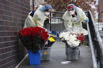 Le personnel soignant inquiet à New York, s'estime exposé
