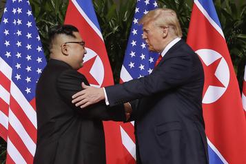Un nouveau livre sur Trump dévoile sa correspondance avec Kim Jong-un)