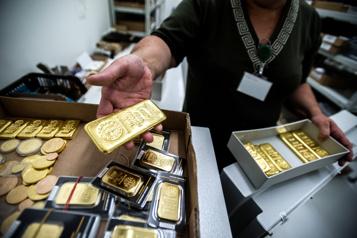 La COVID-19 a mis à terre le marché de l'or en 2020)
