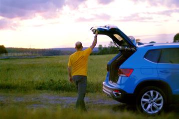 Volkswagen Canada - J'te passe les clés / épisode 2 Le Taos de Volkswagen : toujours partant pour dormir à la belle étoile)
