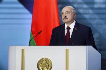 Bélarus: Loukachenko prône sa stabilité, accuse Russes et opposants)