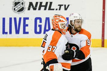 Les Flyers l'emportent 5-3 contre les Devils)