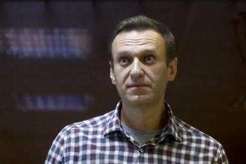 Des médecins inquiets Alexeï Navalny peut avoir un arrêt cardiaque «d'une minute à l'autre»)