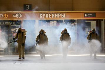 COVID-19: presque 300000 cas détectés en Russie)