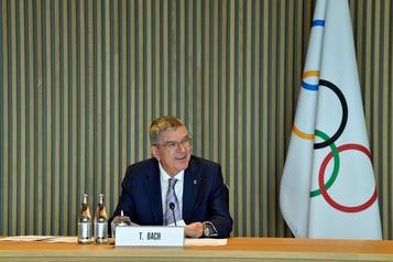 Le président du CIO renonce à un voyage à Séoul pour recevoir un prix)
