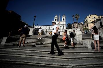 Rome interdit de s'asseoir sur l'escalier de la Trinité-des-Monts