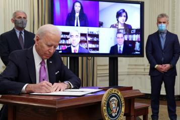 COVID-19 Joe Biden promet une mobilisation comme «en temps de guerre» )