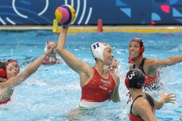 Super finale de la Ligue mondiale de water-polo Défaite des Canadiennes en demi-finale)