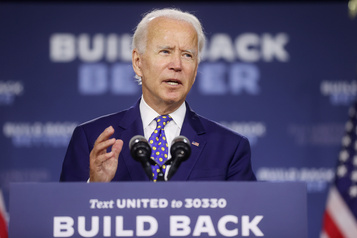 Biden n'ira pas en personne accepter sa nomination à la convention démocrate)